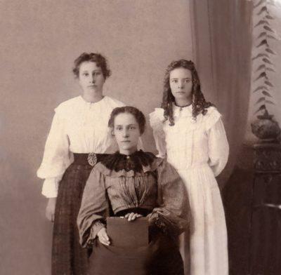 1890s -Ruth Mabel and Daisy Keys Clarity Portrait Drama