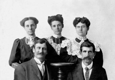 1900-Daisy Keys, Emma, May, HC and Ed Phenice