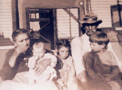 1921- Catherine Jane Foster Phenice and Samuel Phenice with grandchildren